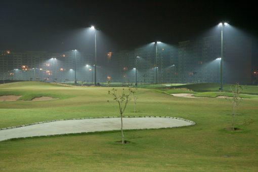 Đèn cao áp spotlight 1500w chiếu sáng sân tập golf sân vận động