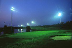 Đèn cao áp spotlight 1500w chiếu sáng sân tập golf
